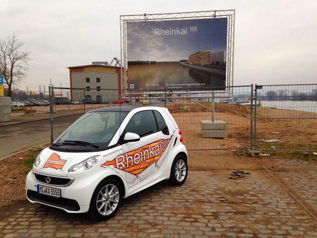 Rheinkai 500 construction sign with first e-smart